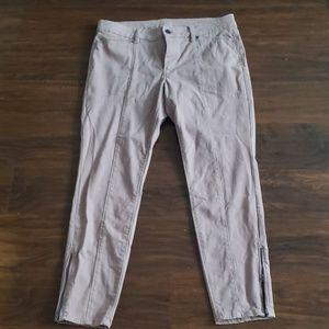 Size 12 black house white market mauve crop pants